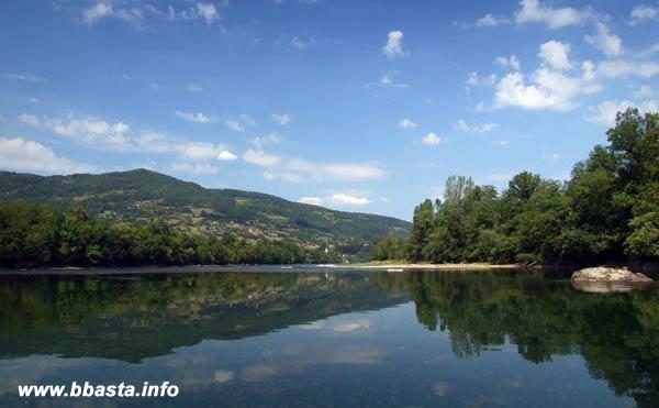 Predizborni most na Drini