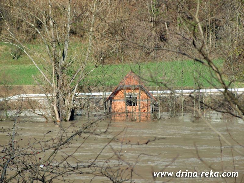 Evakuacija u Ljuboviji i Prijepolju